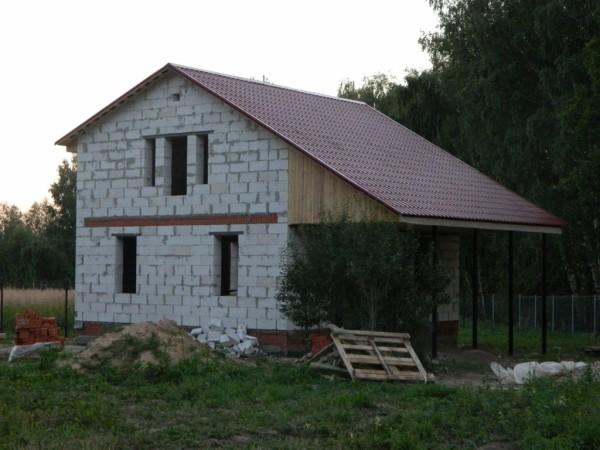 Наш герой - дачный дом из газосиликатных блоков.