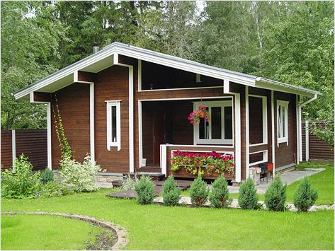Небольшой каркасный дом на загородном участке