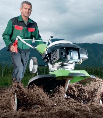 Обработка земли мотокультиватором