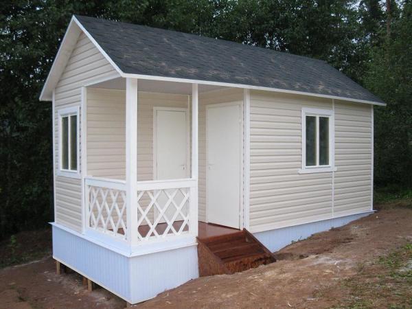 Одноэтажный вариант маленькой дачи.