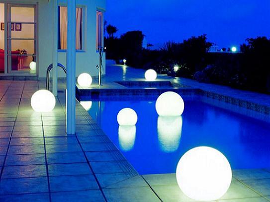 Оригинальные садовые светильники и фонари