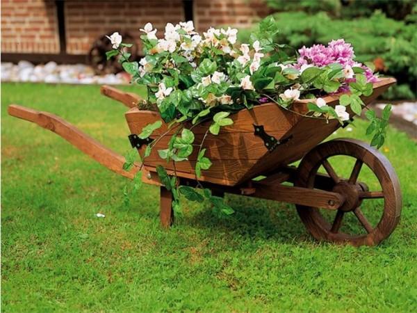 Отличный вариант украшения сада