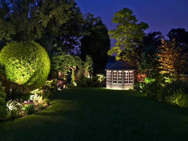 Подсветка садового участка