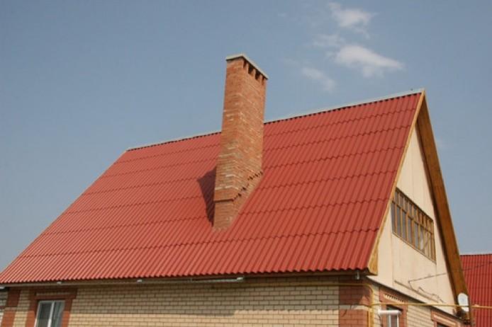 Покрытая шифером крыша