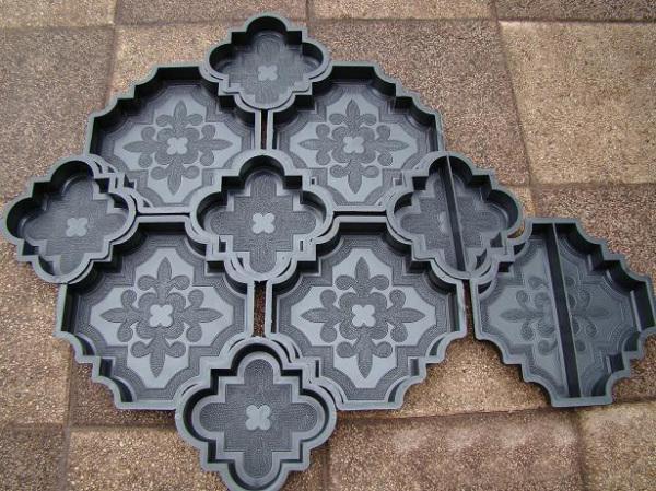 Покупная форма для плитки отличается разнообразием форм