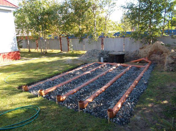 Поле фильтрации на стадии строительства.