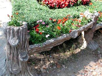 Причудливая идея для оформления садового участка