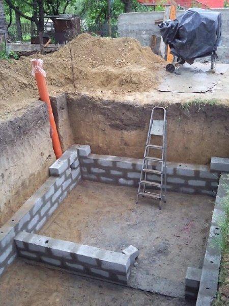 Рассмотрим строительство традиционного заглубленного погреба.