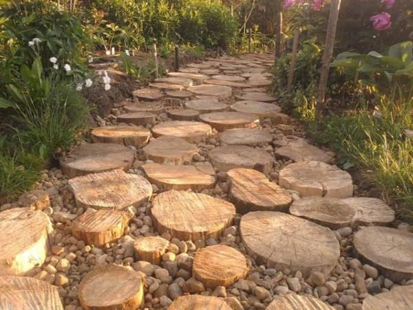 Садовая дорожка из спилов