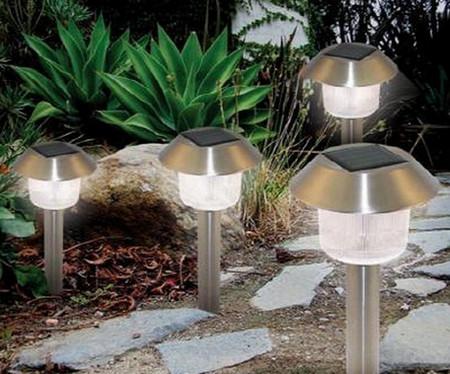 Солнечные фонари для дачи – выбор рачительного хозяина