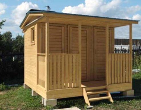 Сооружение с кладовкой, душем, туалетом и небольшой террасой