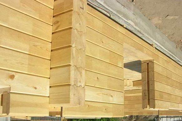 Строительство стен из бруса на ленточном фундаменте