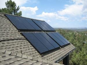 Установка на крыше обеспечивает попадание прямых солнечных лучей