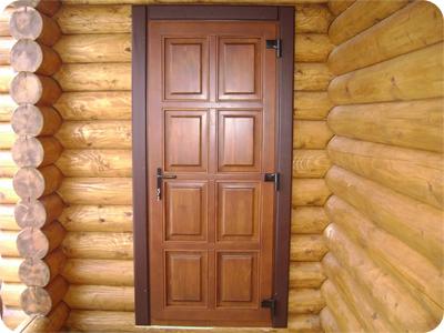 Входные деревянные двери для дачи из массива