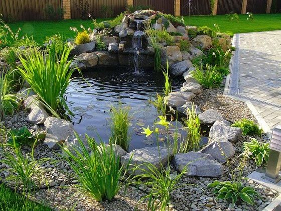 Водопад в саду своими руками – это возможность организовать небольшой островок прохлады на дачном участке
