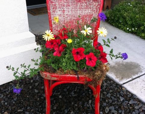 Восхитительное кресло с цветами