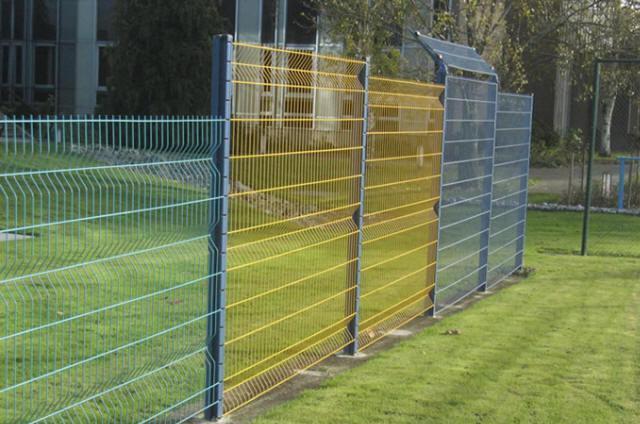 Забор из сварных конструкций.